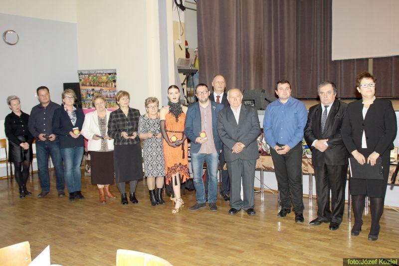 images/Galeria/zlotyabsolwent19/KSP135