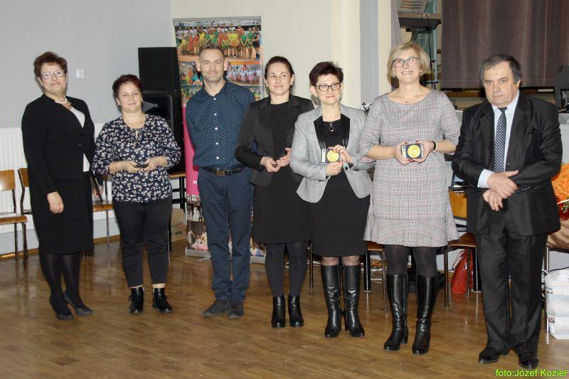 images/Galeria/zlotyabsolwent19/KSP152