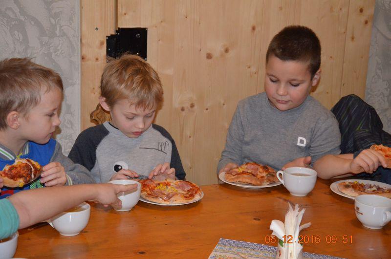 images/Galeria/pizzapierwszaki16/DSC_0050
