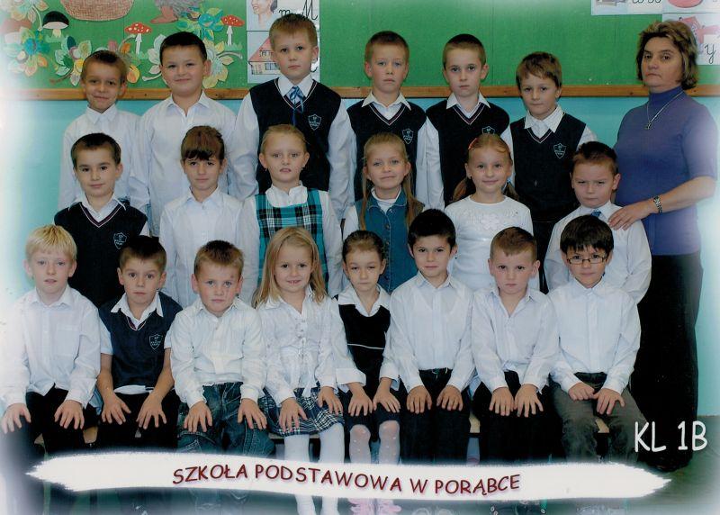 images/Galeria/zdjeciakronikaczosnyka/rocznik2001klasa1